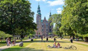 """Kæmpe koncertevent i Danmarks ældste kongelige have """"En Romantisk Aften i Kongens Have"""" arrangeret af eventbureau"""